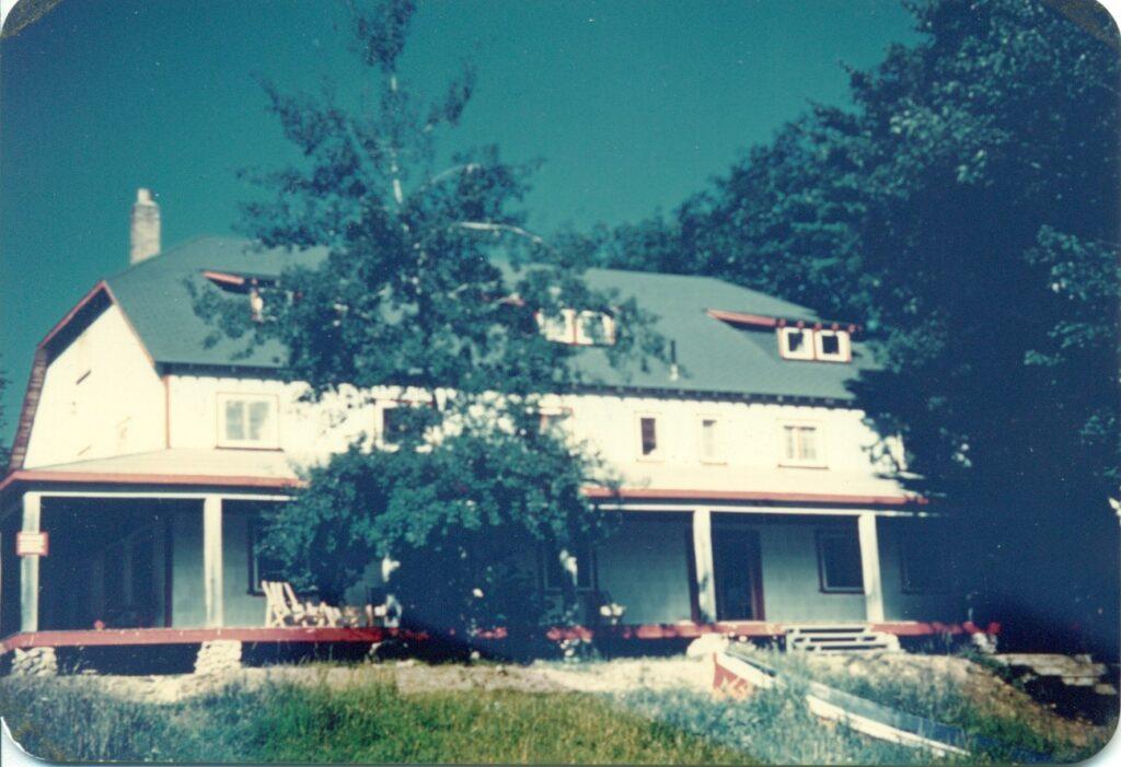 Oakview lodge exterior